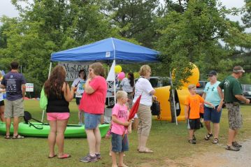 Crowd gathers for Duck Derby 2015